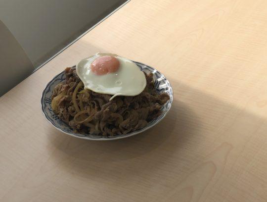 繁忙期なので、大盛生姜焼き丼を作ってもらいました。 サムネイル